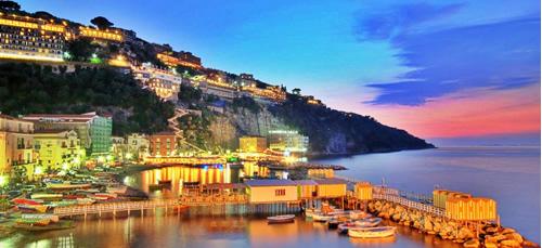 Sorrento, meta strategica per visitare la Costiera Amalfitana e Capri